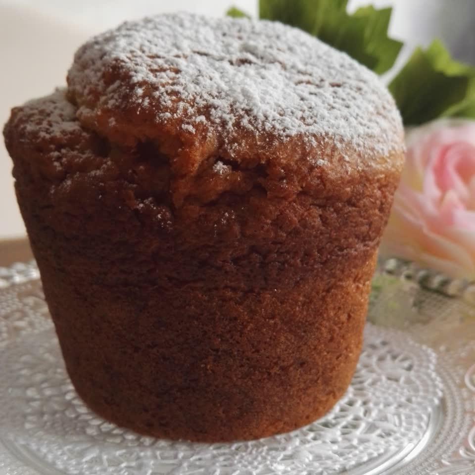 leckerer saftiger Orangen-Kokos-Muffin