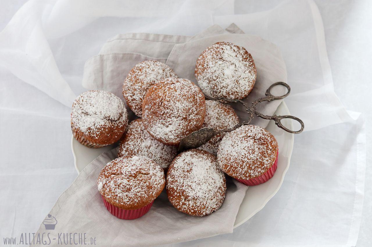 Rezept leckere Bananen Muffins mit Kokosflocken