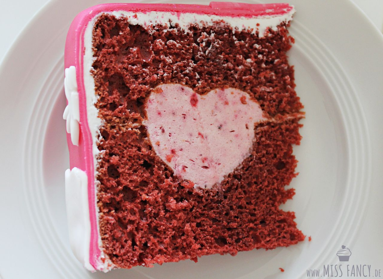 Rezept-Red-Velvet-Cake-mit-Herzfüllung