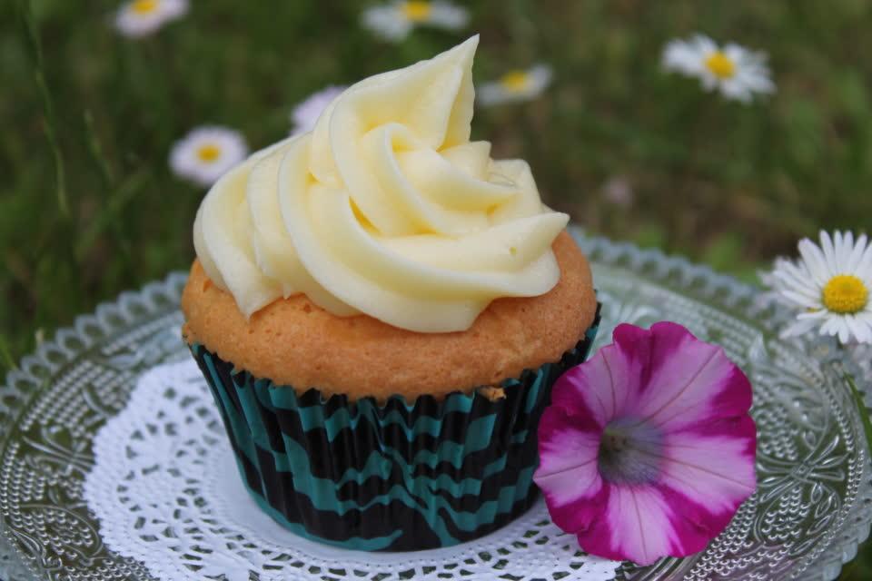 Zitronencupcake mit Topping