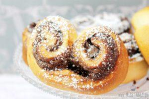 Nutella-Herzen aus Hefeteig