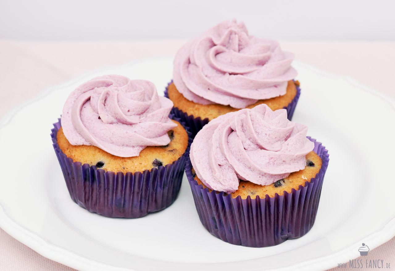 Rezept-Blaubeer-Cupcakes-Missfancy-Foodblog