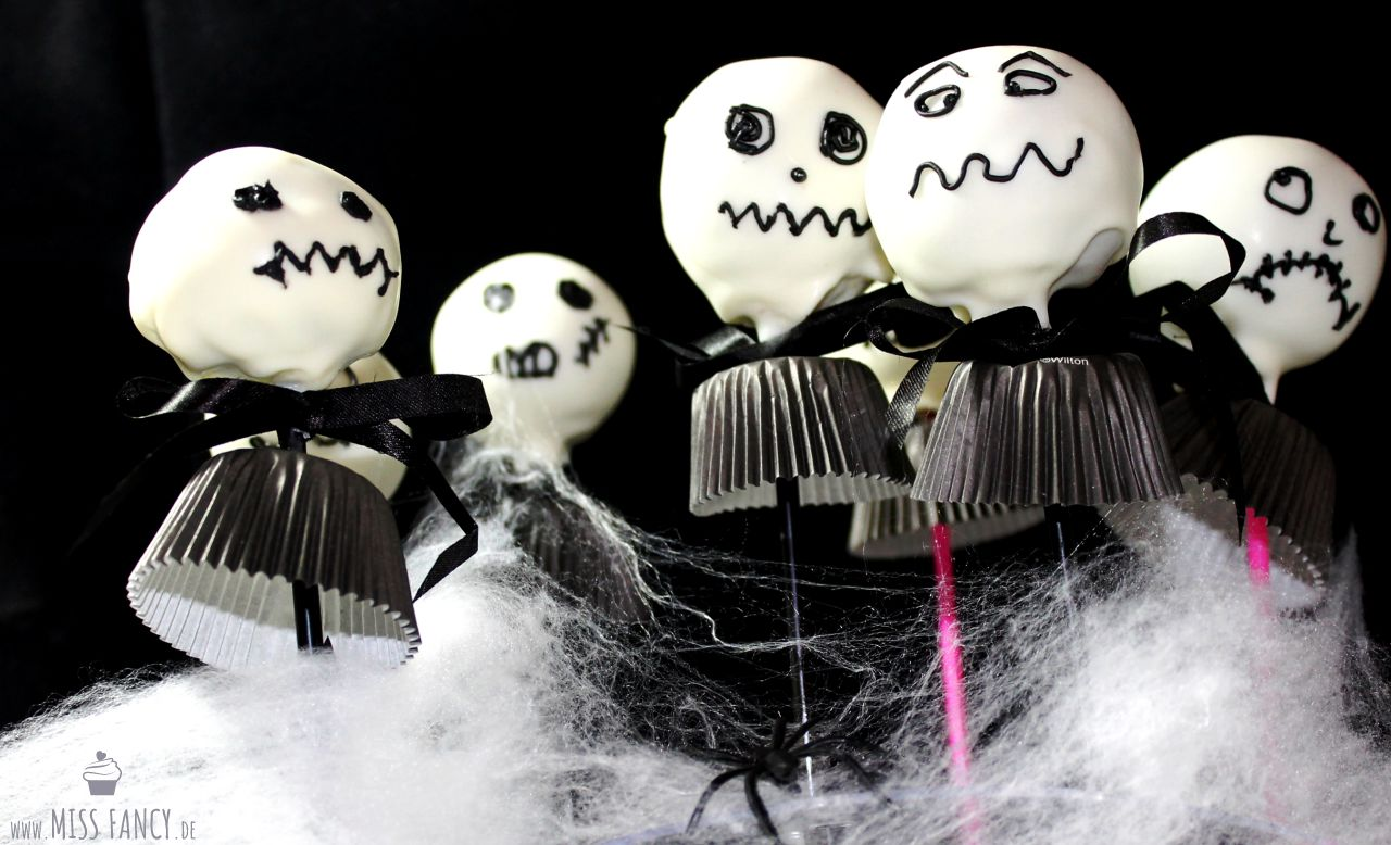 Rezept-Halloween-Cake-Pops-Jack-Skellington-food-blog