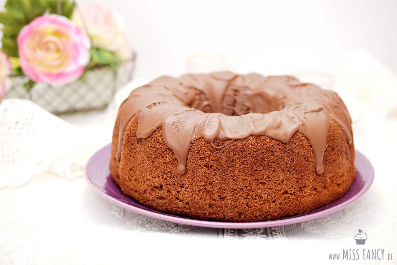 Schokoladenkuchen-mit-Eierlikör