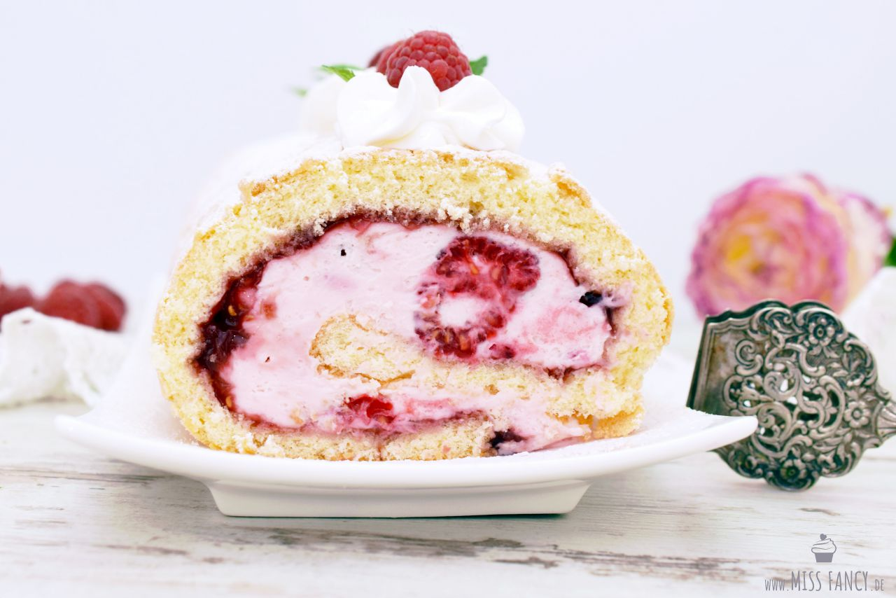 Rezept Himbeer Biskuitrolle Missfancy Foodblog
