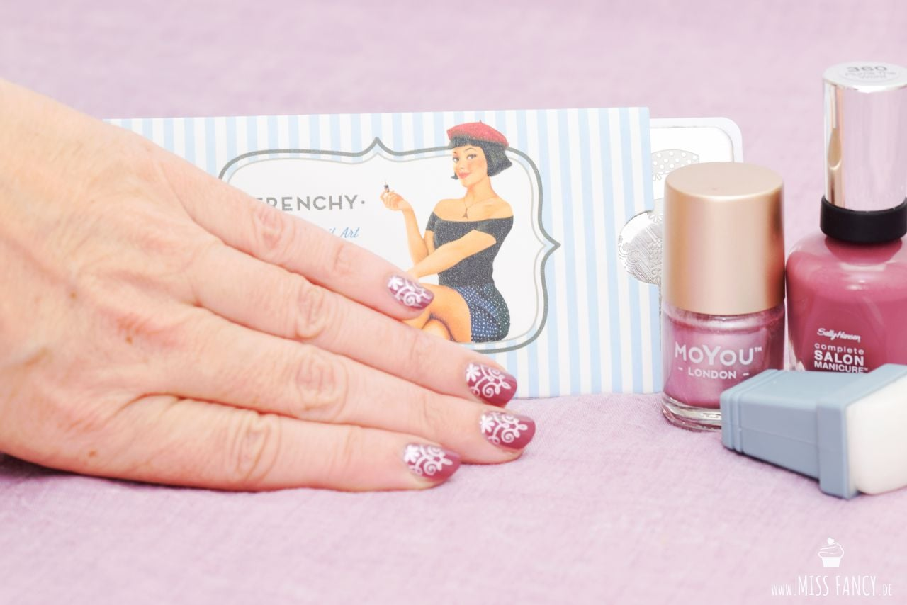 Nagellack Herbst Trends 2017 Stempel Frenchy-Moyou