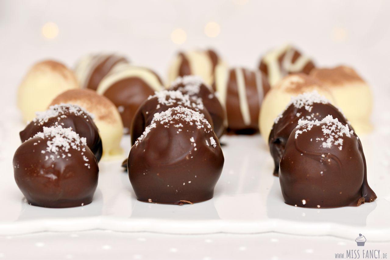 Rezept-Dreierlei-Pralinen-Milchmädchen-Weihnachten-Kokos
