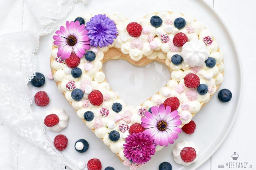 Rezept-Muttertag-Heart-Cake-Letter-Cake
