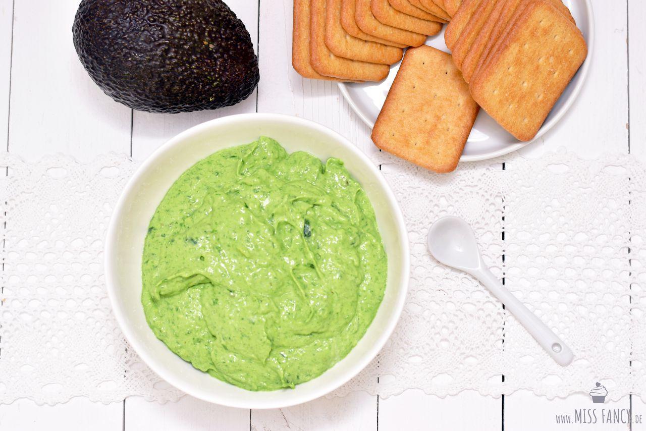 Rezept-Bärlauch-Dip-mit-Avocado