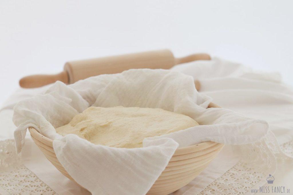 Grundrezept-Hefeteig-für-Kuchen