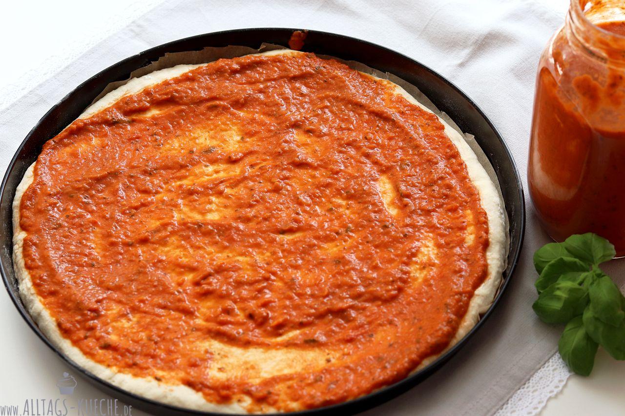 Leckere Pizzasoße auf Vorrat kochen