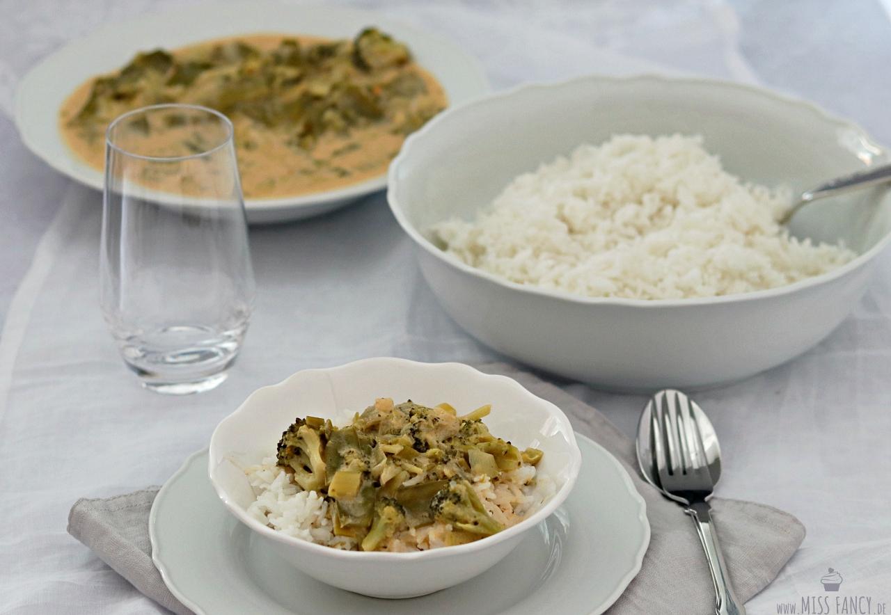 Leckeres veganes Thai Curry mild